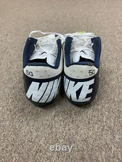 2010-2019 Sean Lee Dallas Cowboys Autographed Game Used NIKE Football Cleats #50