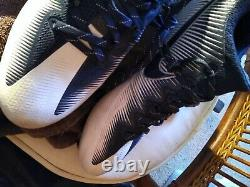 Dallas Cowboys Game Used Cleats with #19 (Heavy Usage) Amari Cooper